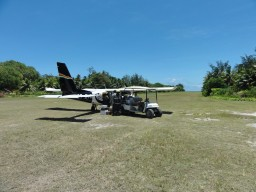 Landing on Denis Island - The landing and the start on the small airfield, everything on green meadow, is a special experience.