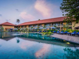 Anantara Kalutara Resort - Swimming pool