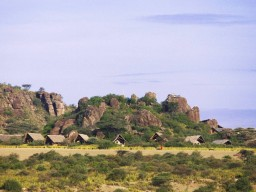 Taragire camp of Olduvai - Nights in tents or lodges during your round trip in the middle of the wild nature.