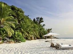 Pure dream beaches - Absolute relaxation with an excellent service, doesn't matter where you are on the island.