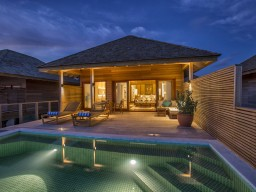 Water Pool Villa - The spacious water villas offer a direct access to the ocean.