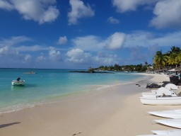 Royal Palm Beachcomber Luxury Beach Impressions