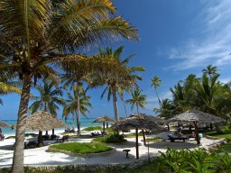 BREEZES Beach Club & Spa - Feel like in paradise.