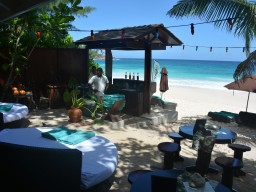 New Banyan Tree Resort Beach Bar  - The new Banyan Tree Beach Bar is now open for nice drinks direct at the Beach