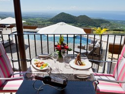Lunch with a view - Enjoy a delicious lunch with a magnificent view, what else do you want.