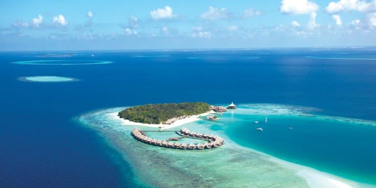 Baros Maldives Resort - The island mainly convinces by its first class house reef and the excellent service.