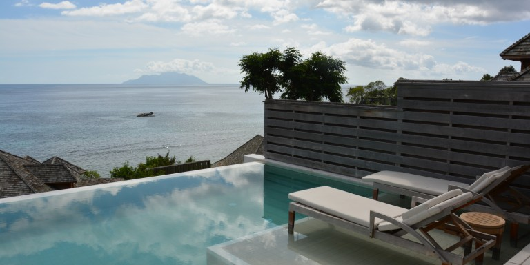 Pool Villa - Beautiful view from your own pool throughout the whole ocean.