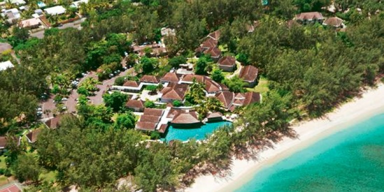 LUX* Saint Gilles - Overview of the areal with the LUX resort.